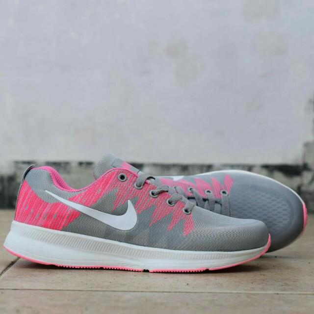 Nike free women zoom running
