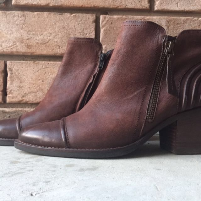 Paul Green Booties Size 8