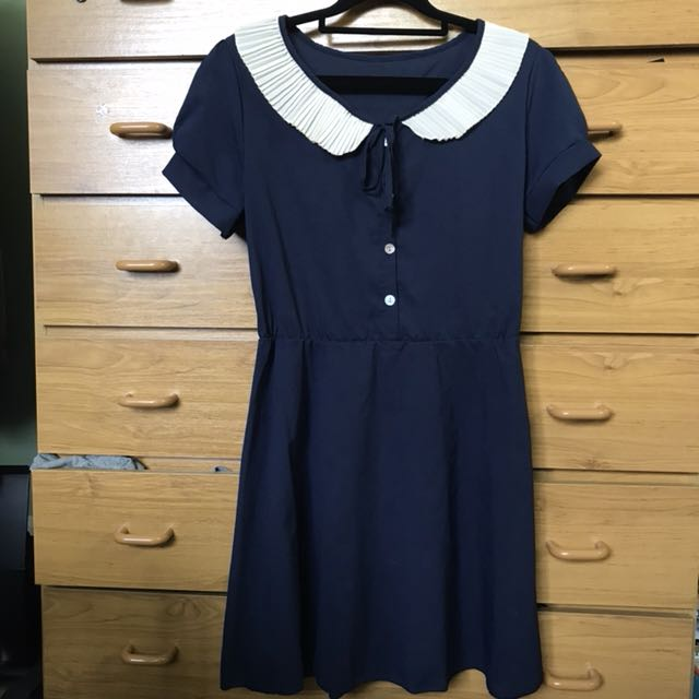 Peter Pan collared dress