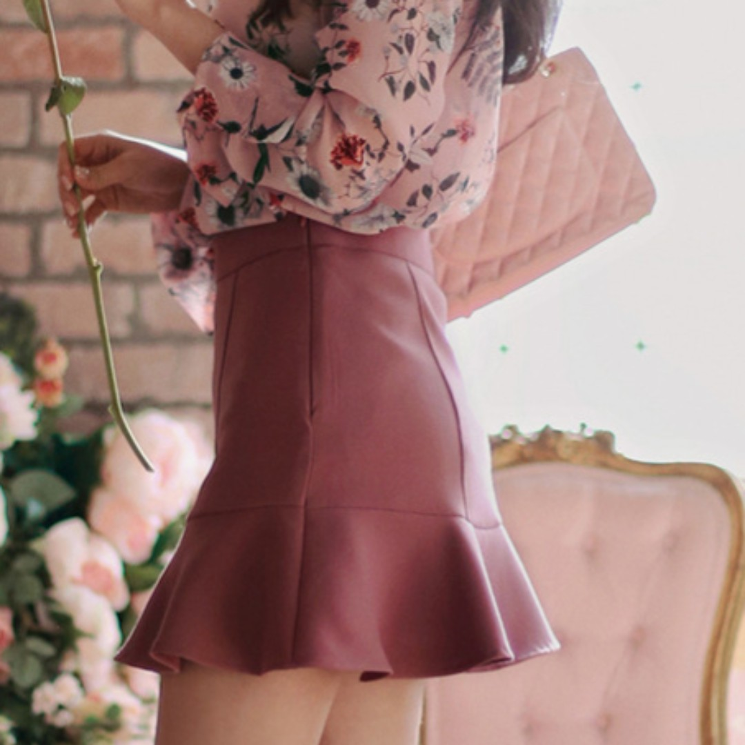 Red Bean Paste Flounce Skirt