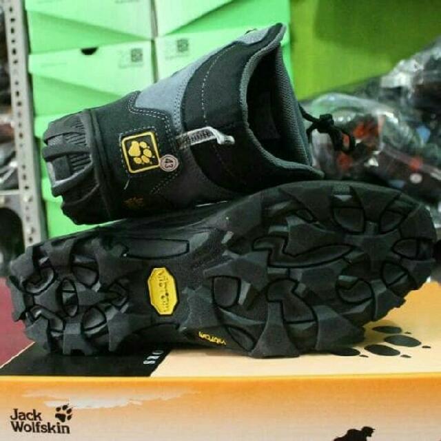 Sepatu Gunung Cewek Cowok Outdoor Original Jackwolfskin (JWS) Not Tnf Rei Consina