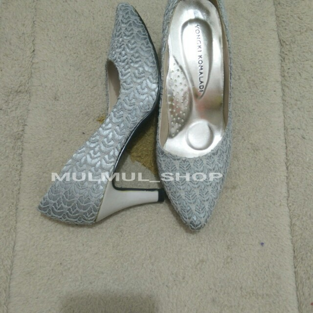 Sepatu wanita Yongki komaladi