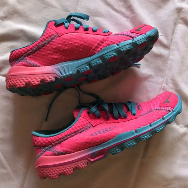 Skechers Shoes - AS NEW - Size 8