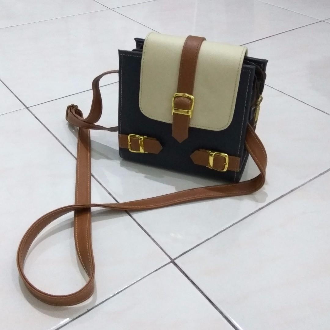small box vintage sling bag