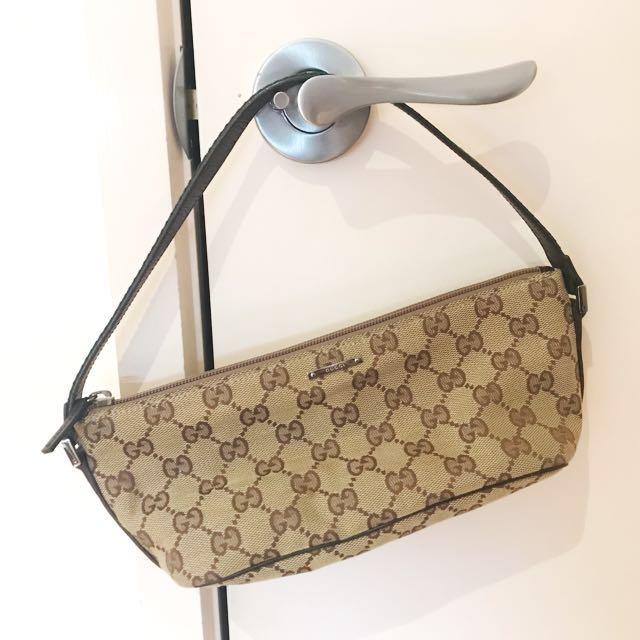 Small Gucci pouch handbag