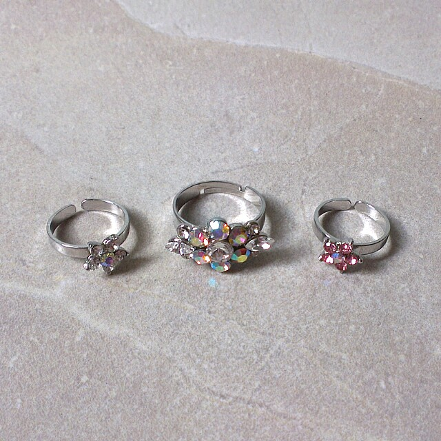 Sparkly Flower Rings