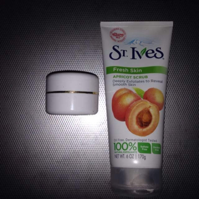 St Ives Apricot Scrub Share In Jar