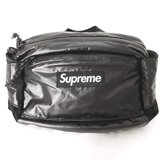 ec770264c34a Supreme FW17 Waist Bag Black, Men's Fashion, Bags & Wallets on Carousell
