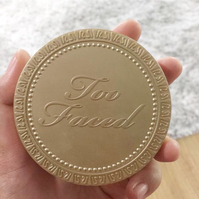 Too faced natural bronzer