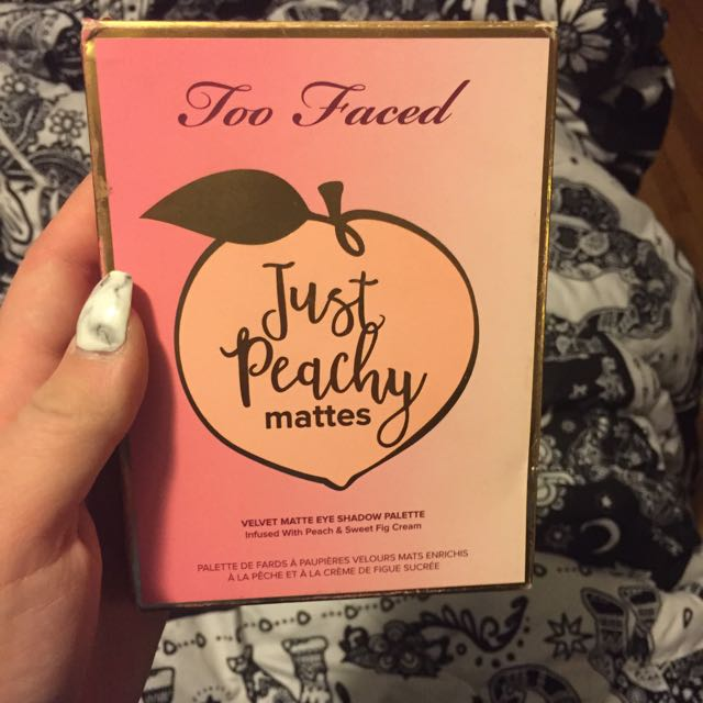 Too Faced Peachy Mattes Palette