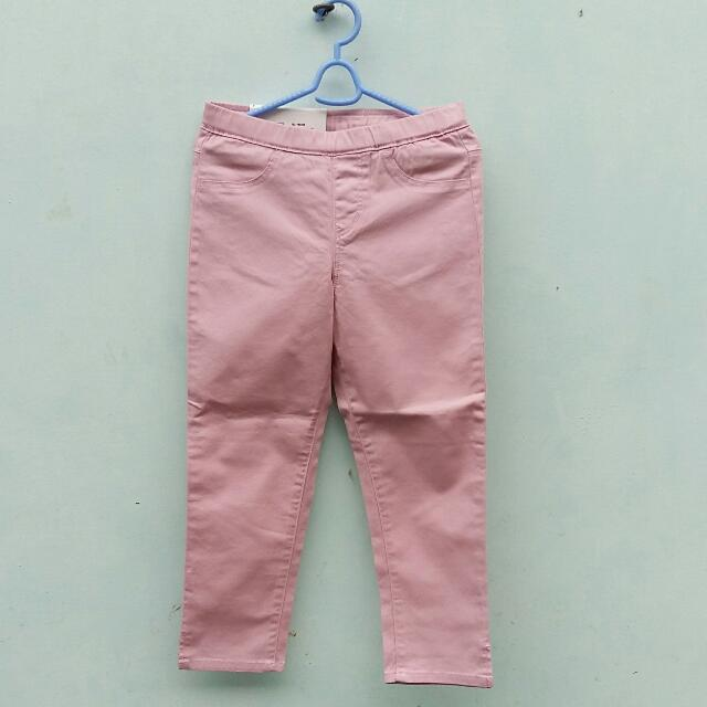Uniqlo Cropped Panta For Girls