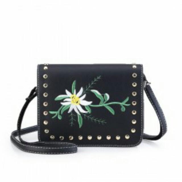 Wild Flowe Design Sling Bag