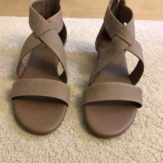 SoftMoc Taupe Sandals Size 8