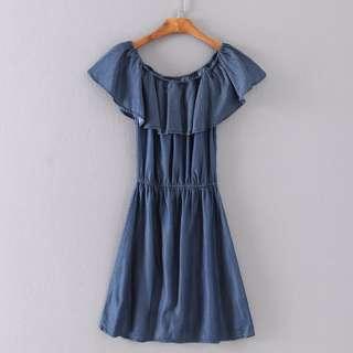 🚚 (全新) 甜美荷葉邊一字領露肩牛仔洋裝 牛仔連衣裙連身裙 顯瘦洋裝