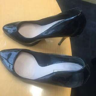 Miu Miu 黑色漆皮高踭鞋 Size 38