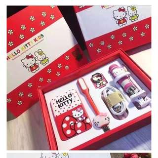 Search only in Power Banks  Hello Kitty PowerBank/ Power Bank 8800mAh / 5 pcs Gift Set