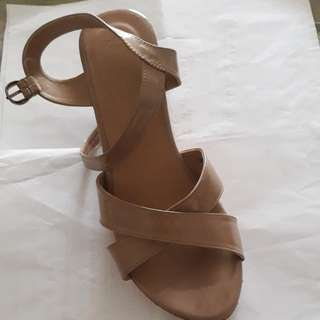 T|X by executive wedges  size 40