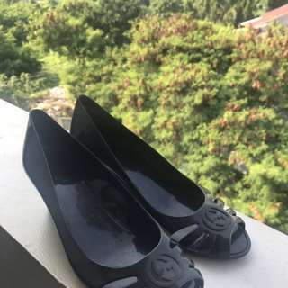 GUCCI MAROLA BLACK JELLY SHOES