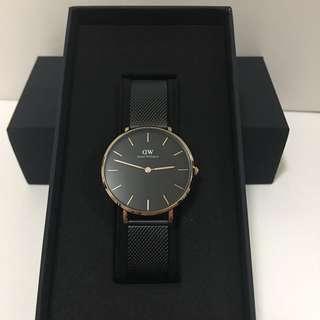 DW女裝最新黑綱錶