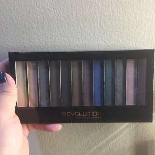Redemption Palette Hot Smoked By Makeup Revolution