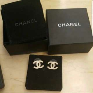Chanel Preloved Classic Earrings