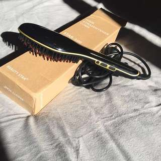 Straightening Hairbrush