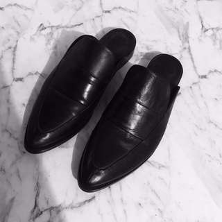 LEATHER EOS BLACK SLIDES 39 / 7