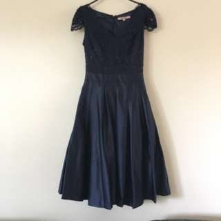 Review Navy Lace Dress