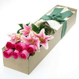 Surprise Flower Gifts roses and lilies in a box - 0031