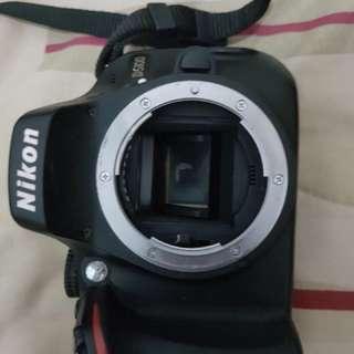 Nikon 5100 plus lensa 18-55 & 55-200
