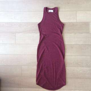 Mid-length dress with back cutout (xs)