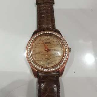 Jam tangan model manik manik