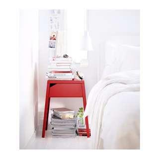 IKEA SELJE Meja serbaguna samping tempat tidur, warna merah dan putih