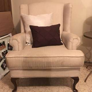 2 Chairs and Pillows