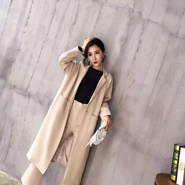 韓 秋季長版 西裝風衣外套+褲子 套裝組 簡約俐落感 杏 黑 卡其 三色預購