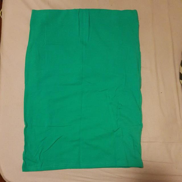 Basic Light Green Fitting Skirt
