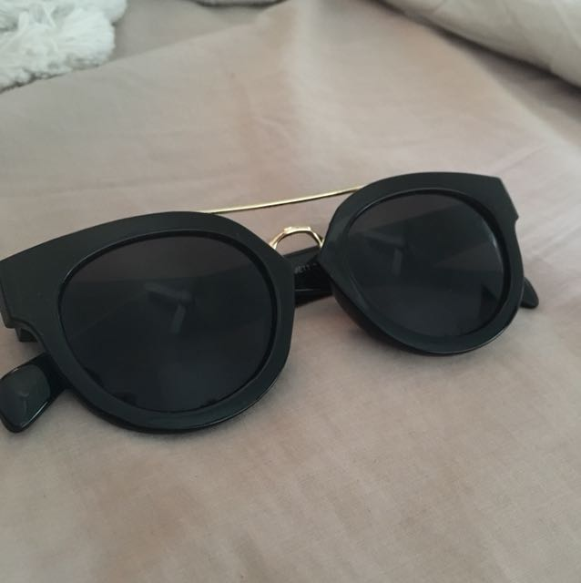 Black and gold sunnies