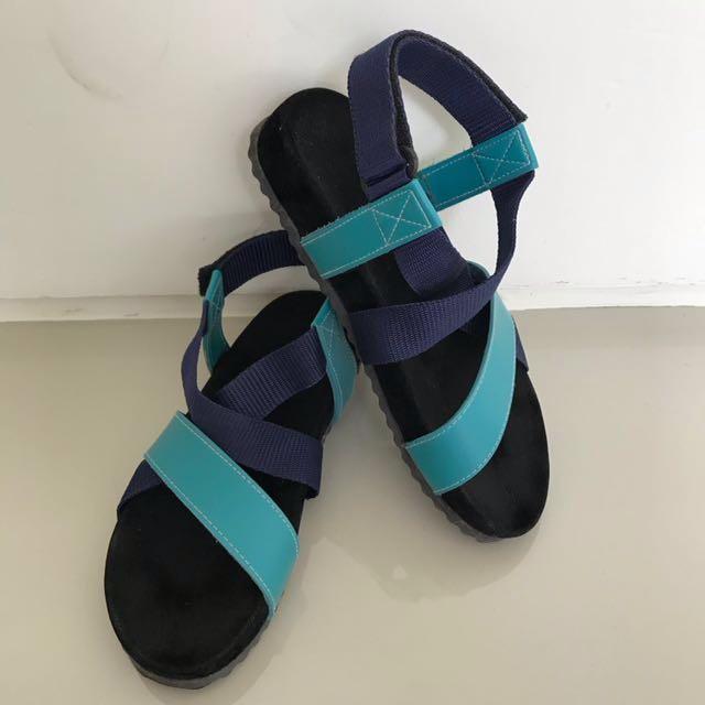 Black blue slip on sandal