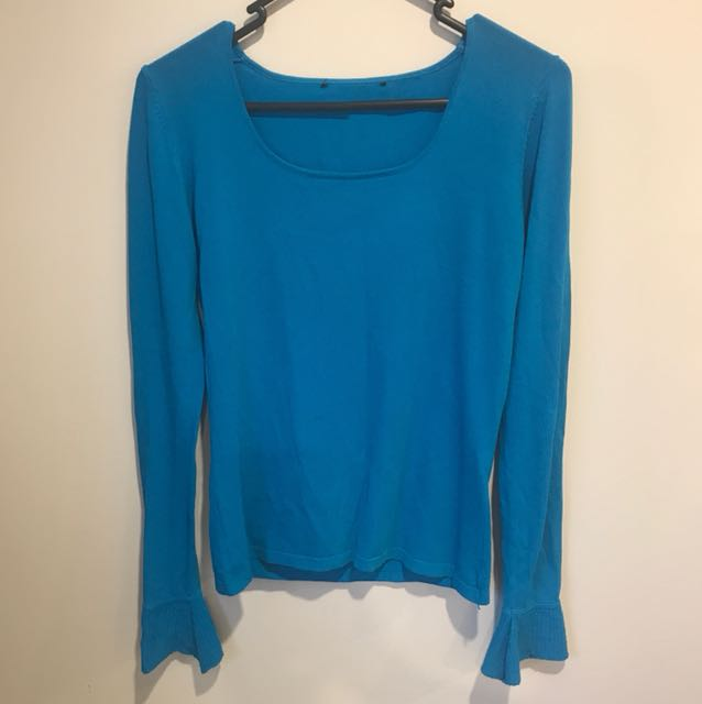 Blue bell sleeved top