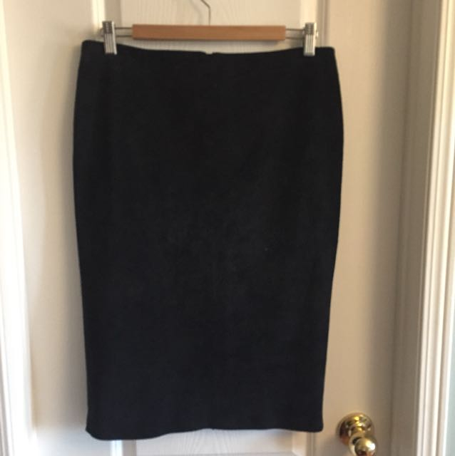 Danier Black Suede Leather Skirt Size 8