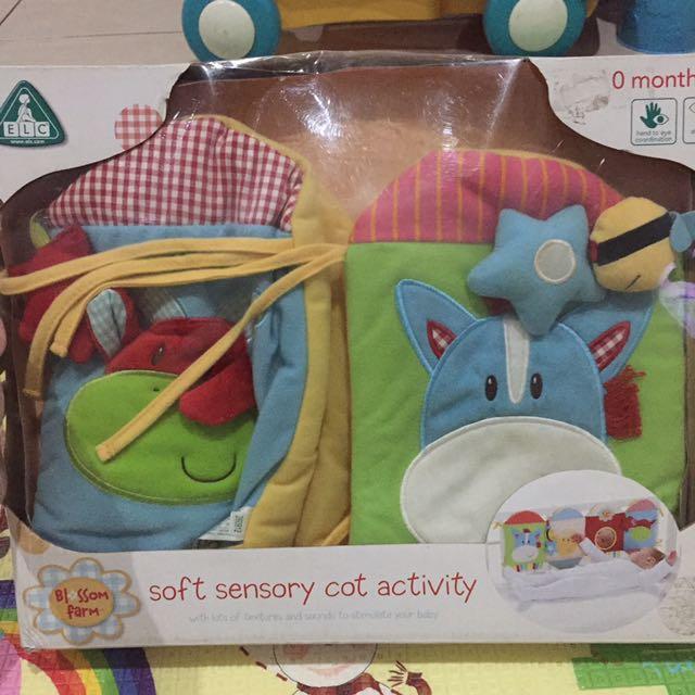 ELC Blossom Farm soft sensory cot activity - mainan box baby