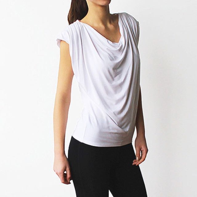 Encircled Evolve modal white versatile top size S