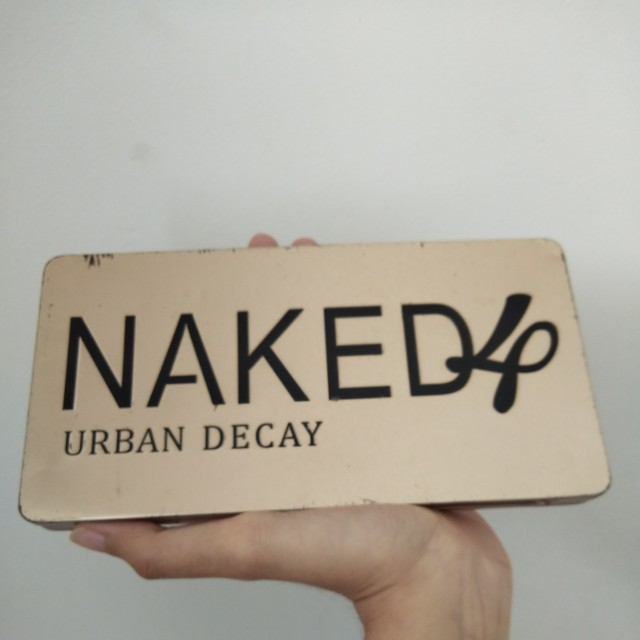 Eye shadow kit by NAKED / NAKED 4