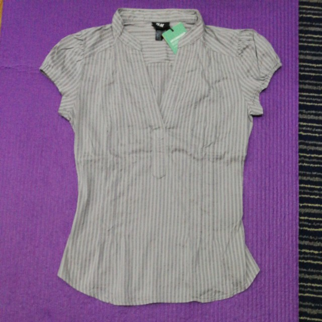 H&M  short sleev blouse gray stripes