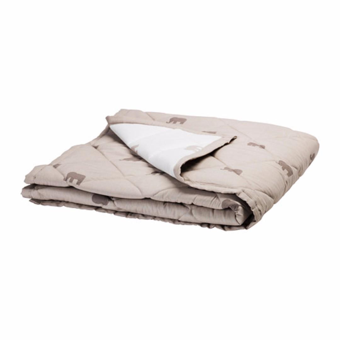 IKEA CHARMTROLL Quilt/selimut, krem, putih uk 115x85 cm