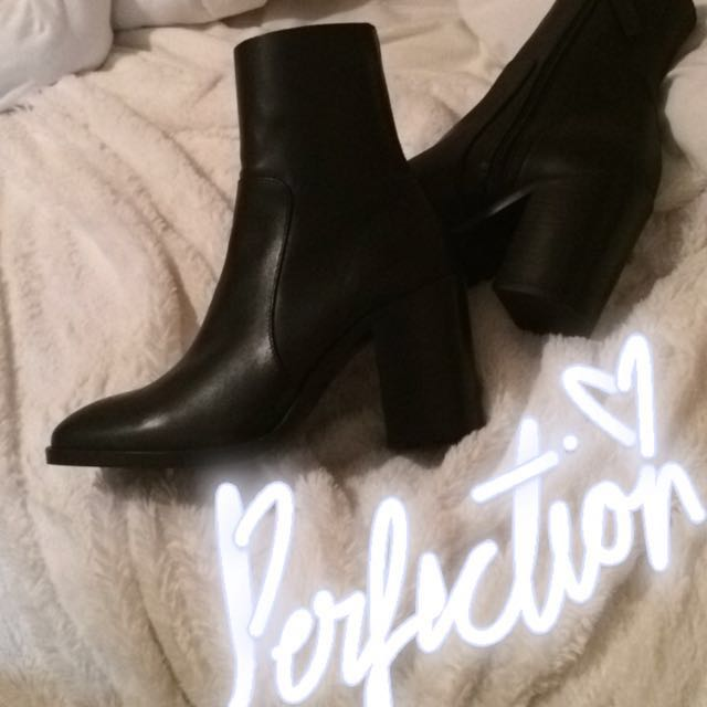 Leather Topshop Boots (Size 7)