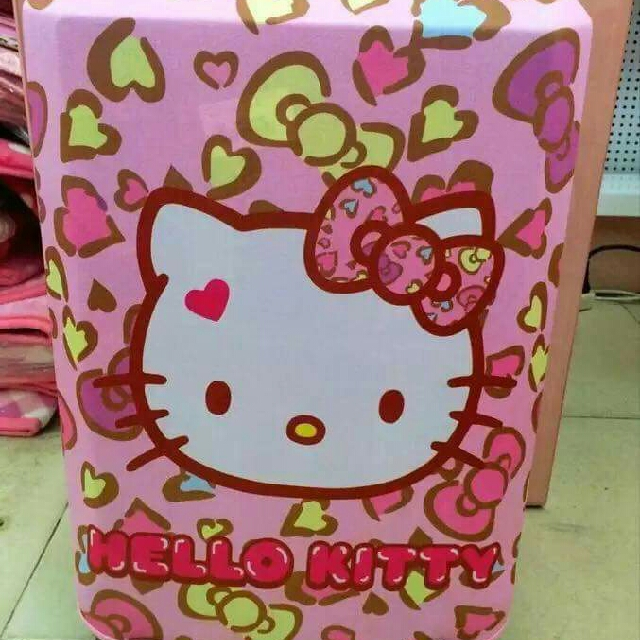 Luggage cover. hello kitty