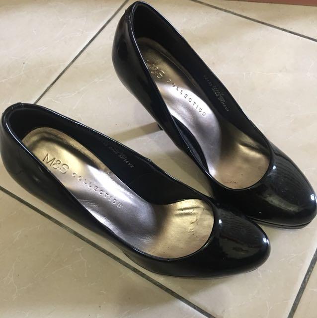 Mark & Spencer black pump heels