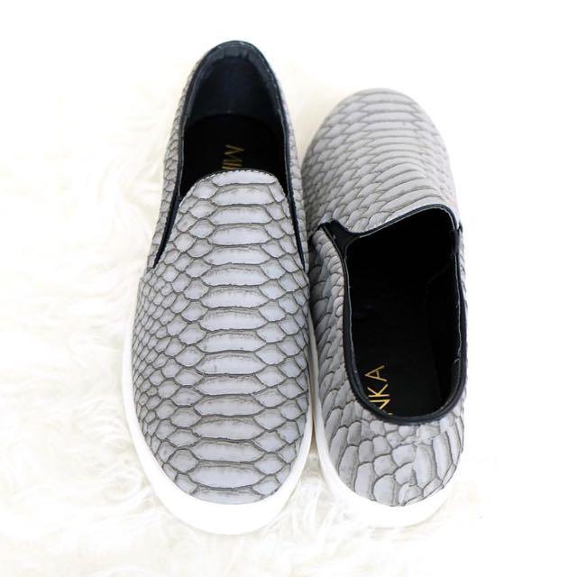 Minka Shoes SAINT in GREY Sz 37