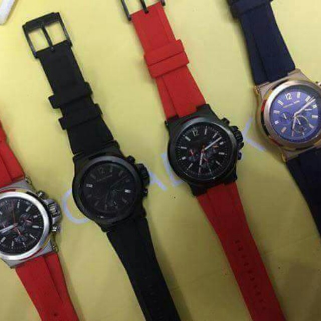 Mk watch dylan